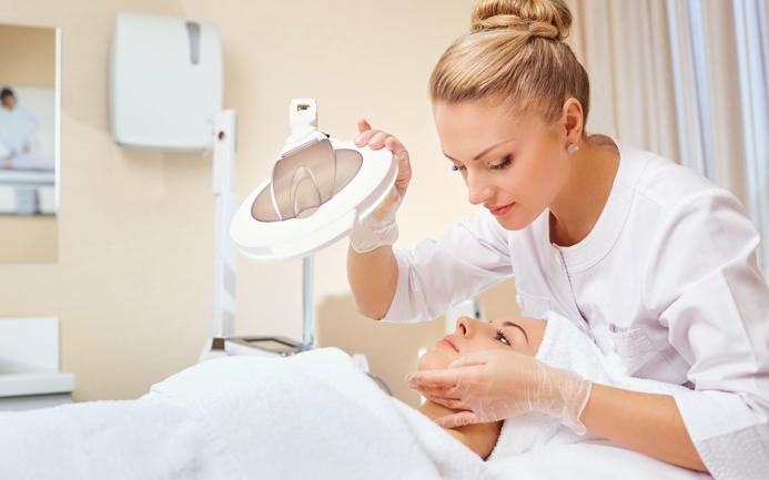 Специальность в сфере ухода за кожей: косметолог