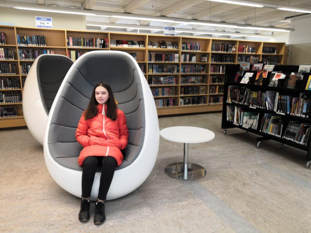 Елизавета из Санкт-Петербурга в библиотеке
